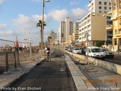שביל אופניים טיילת תל אביב