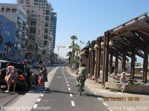 תל אופן, שביל אופניים טיילת תל אביב