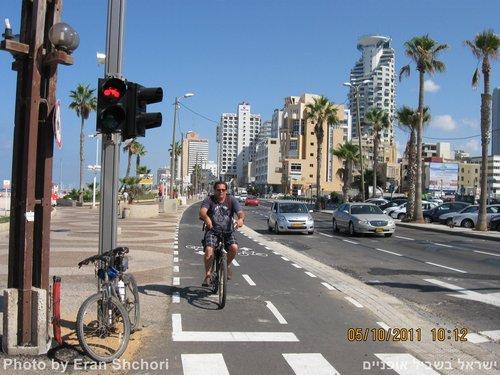 רמזור האופניים הראשון בישראל, 5/10/2011